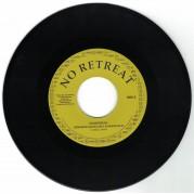 Hempress Sativa feat. Junior Marvin - No Retreat